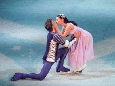 ROMEO & JULIETTE BALLET SUR GLACE